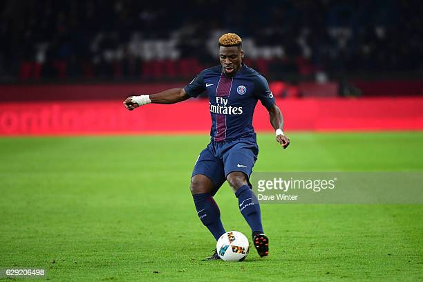 Serge Aurier of PSG during the French Ligue 1 match between Paris Saint Germain and Nice at Parc des Princes on December 11 2016 in Paris France