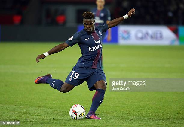 Serge Aurier of PSG in action during the French Ligue 1 match between Paris SaintGermain and Stade Rennais FC at Parc des Princes stadium on November...