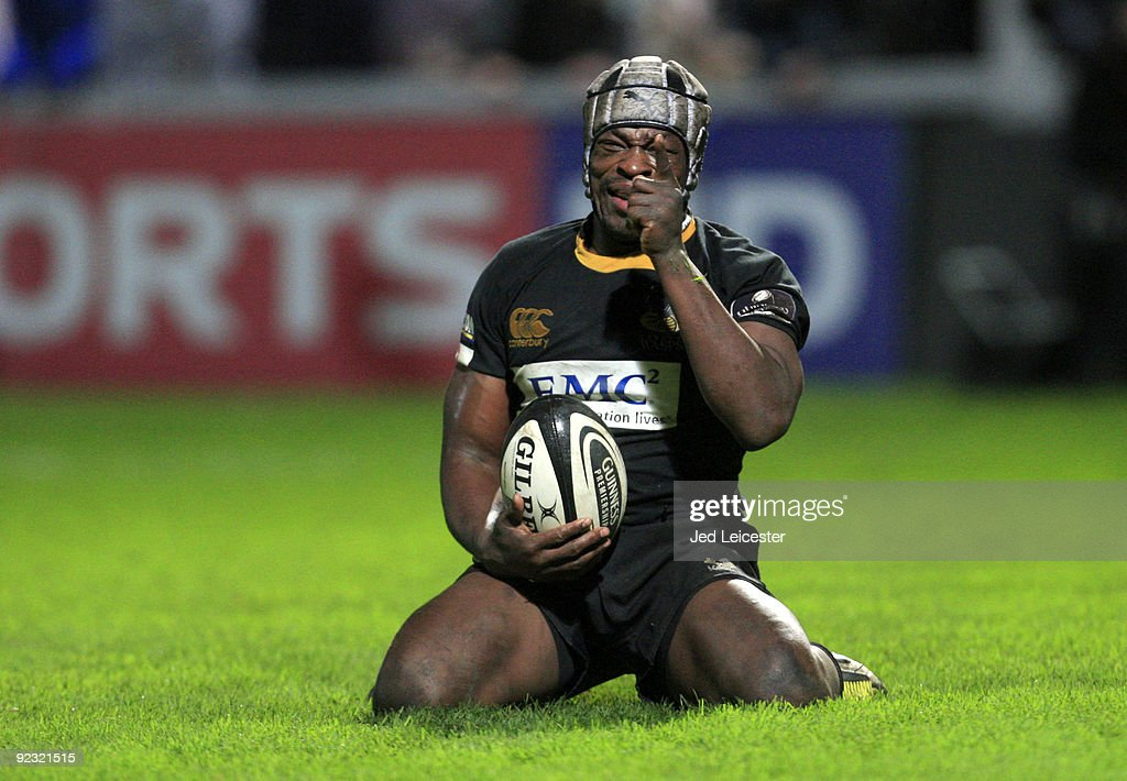 <a gi-track='captionPersonalityLinkClicked' href=/galleries/search?phrase=Serge+Betsen&family=editorial&specificpeople=239034 ng-click='$event.stopPropagation()'>Serge Betsen</a> of Wasps celebrates scoring his try during the Guinness Premiership match between Gloucester and London Wasps at the Kingsholm Stadium on October 24, 2009 in Gloucester, England.