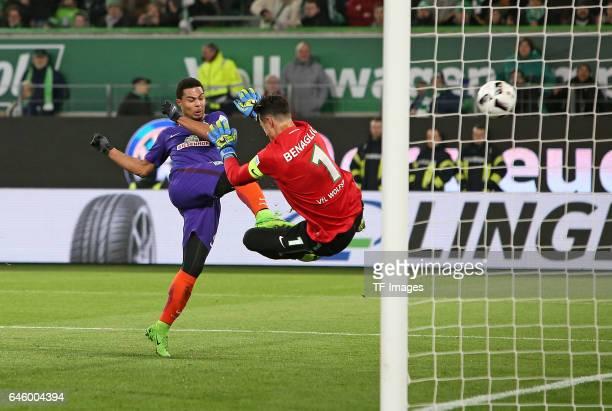 Serge Gnabry of Werder Bremen scores a goal during the Bundesliga match between VfL Wolfsburg and Werder Bremen at Volkswagen Arena on February 24...