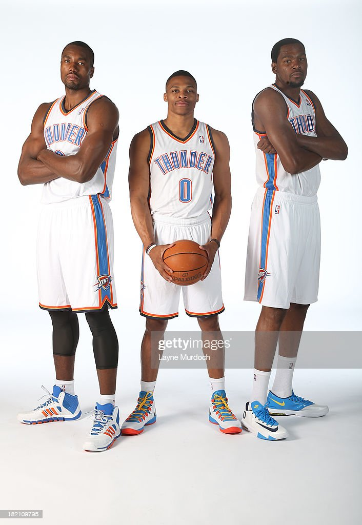 ¿Cuánto mide Russell Westbrook? - Estatura real: 1,91 - Real height Serge-ibaka-russell-westbrook-and-kevin-durant-poses-for-a-portrait-picture-id182109795