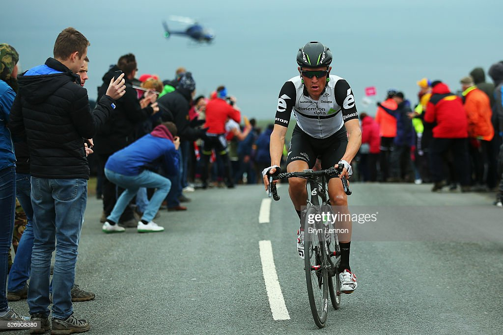 <a gi-track='captionPersonalityLinkClicked' href=/galleries/search?phrase=Serge+Pauwels&family=editorial&specificpeople=4110856 ng-click='$event.stopPropagation()'>Serge Pauwels</a> of Belgium and Team Dimension Data leads the climb out of Robin Hood's Bay on stage three of the 2016 Tour de Yorkshire from Middlesbrough to Scarborough on May 1, 2016 in Robin Hood's Bay, England.