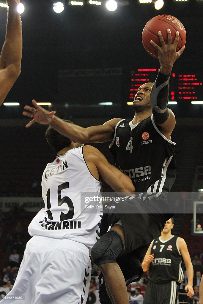 #4 Sergerio Gipson of Brose Baskets Bamberg in action during the 2012-2013 Turkish Airlines Euroleague Regular Season Game Day 7 between Besiktas JK Istanbul v Brose Baskets Bamberg at Abdi Ipekci Arena on November 23, 2012 in Istanbul, Turkey.