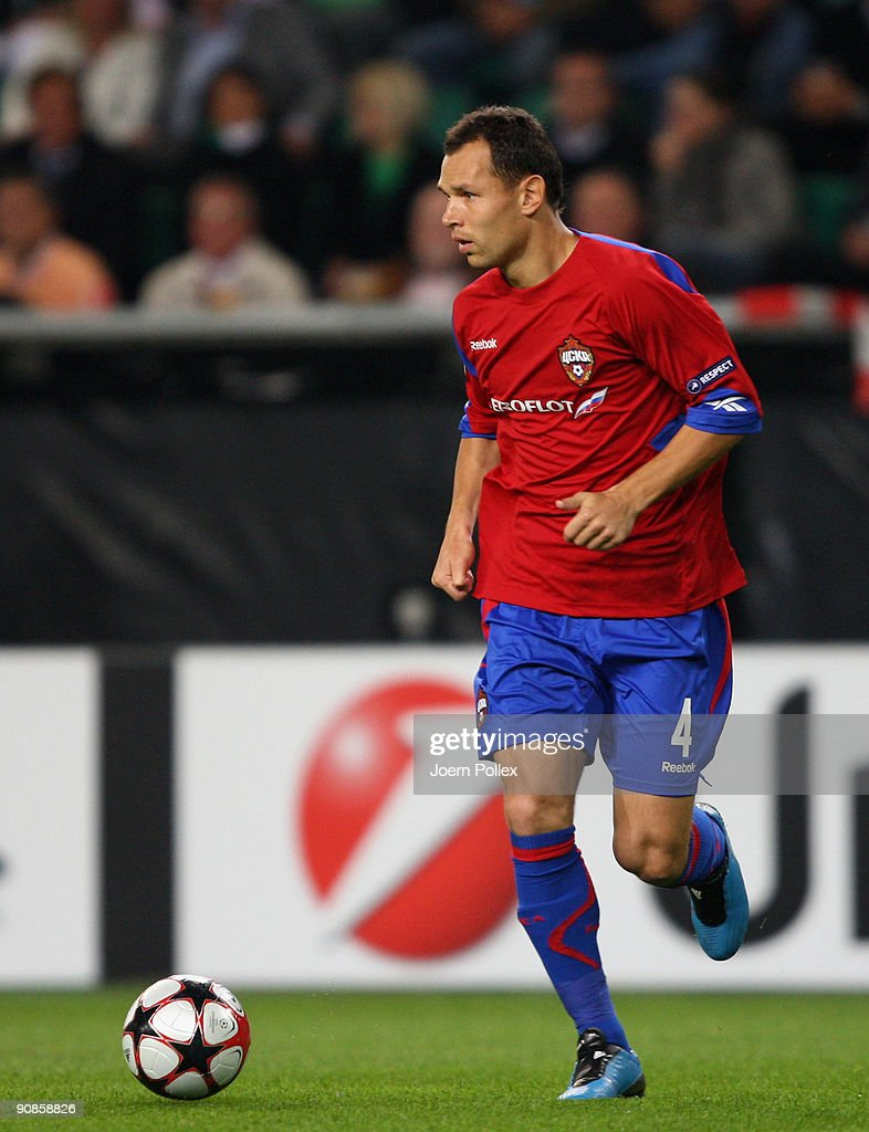 Sergey Ignashevich of Moscow plays the ball during the UEFA Champions League Group B match between VfL Wolfsburg and CSKA Moscow at Volkswagen Arena on September 15, 2009 in Wolfsburg, Germany.