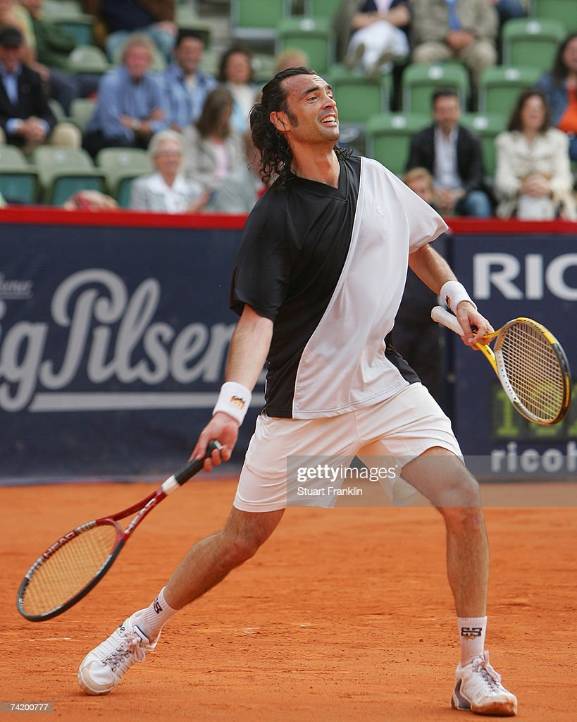 Sergi Bruguera of Spain shares a lighter moment during his finals match against Thomas Muster of Austria during BlackRock Tennis Classic 2007 at...