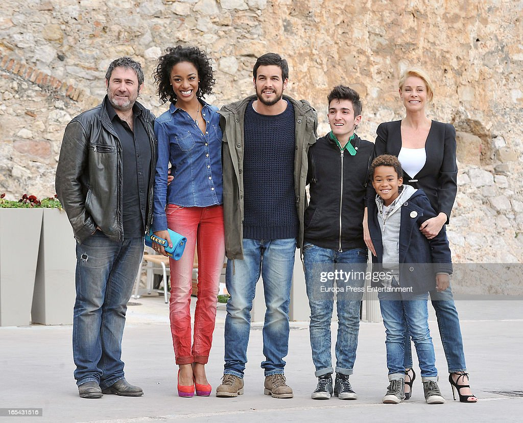 <a gi-track='captionPersonalityLinkClicked' href=/galleries/search?phrase=Sergi+Lopez&family=editorial&specificpeople=609180 ng-click='$event.stopPropagation()'>Sergi Lopez</a>, Ella Kweku, <a gi-track='captionPersonalityLinkClicked' href=/galleries/search?phrase=Mario+Casas&family=editorial&specificpeople=4617963 ng-click='$event.stopPropagation()'>Mario Casas</a>, Mikel Iglesias, <a gi-track='captionPersonalityLinkClicked' href=/galleries/search?phrase=Belen+Rueda&family=editorial&specificpeople=213596 ng-click='$event.stopPropagation()'>Belen Rueda</a> and Larsson do Amaral are seen on the set of their latest film 'Ismael' on March 25, 2013 in Barcelona, Spain.