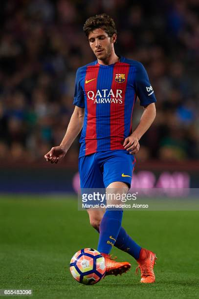 Sergi Roberto of Barcelona in action during the La Liga match between FC Barcelona and Valencia CF at Camp Nou Stadium on March 19 2017 in Barcelona...