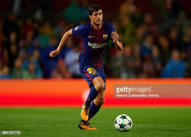 Sergi Roberto of Barcelona runs with the ball during the UEFA Champions League group D match between FC Barcelona and Olympiakos Piraeus at Camp Nou...