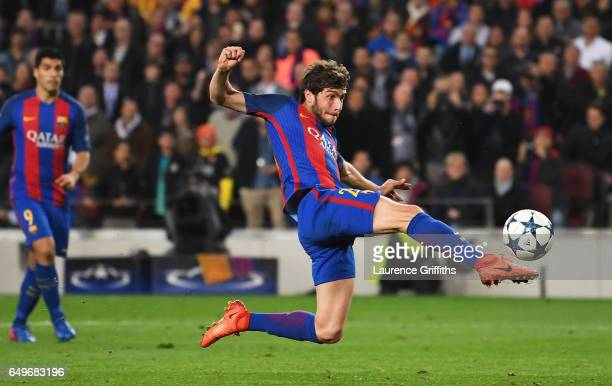 Sergi Roberto of Barcelona scores their sixth goal during the UEFA Champions League Round of 16 second leg match between FC Barcelona and Paris...