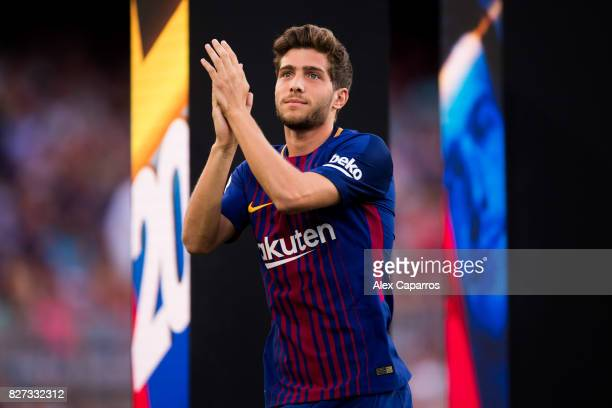 Sergi Roberto of FC Barcelona enters the pitch ahead of the Joan Gamper Trophy match between FC Barcelona and Chapecoense at Camp Nou stadium on...