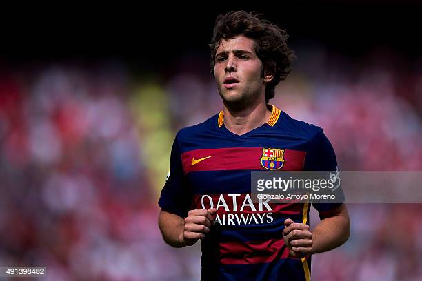 Sergi Roberto of FC Barcelona runs during the La Liga match between Sevilla FC and FC Barcelona at Estadio Ramon Sanchez Pizjuan on October 3 2015 in...
