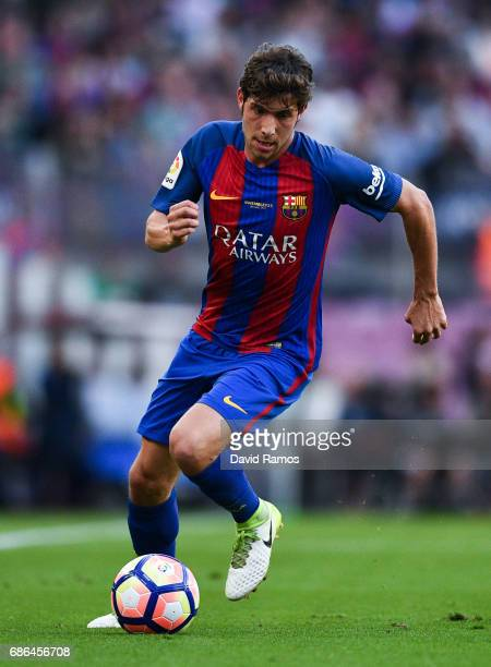 Sergi Roberto of FC Barcelona runs with the ball during the La Liga match between Barcelona and Eibar at Camp Nou on 21 May 2017 in Barcelona Spain