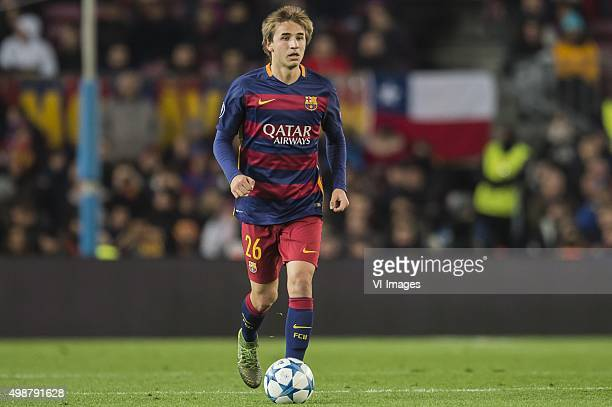 Sergi Samper of FC Barcelona during the Champions League match between FC Barcelona and AS Roma on November 24 2015 at the Camp Nou stadium in...