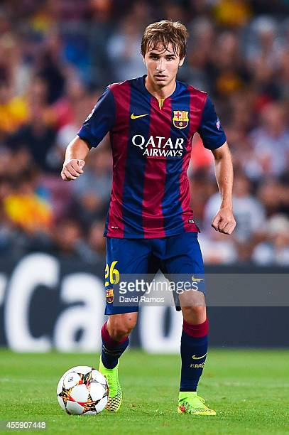 Sergi Samper of FC Barcelona runs with the ball during the UEFA Champions League Group F match between FC Barcelona and APOEL FC at the Camp Nou...