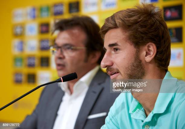 Sergi Samper of Las Palmas faces the media during his presentation as a new player for UD Las Palmas at Estadio Gran Canaria on August 25 2017 in Las...