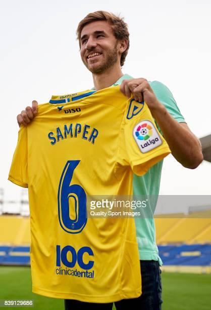 Sergi Samper of Las Palmas poses during his official presentation as a new player for UD Las Palmas at Estadio Gran Canaria on August 25 2017 in Las...
