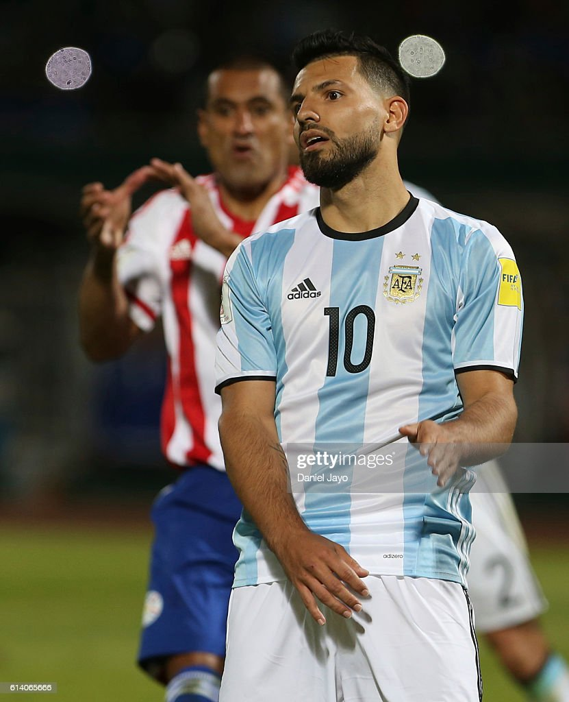 Sergio Aguero of Argentina reacts after missing a penalty kick during a match between Argentina and Paraguay as part of FIFA 2018 World Cup Qualifiers at Mario Alberto Kempes Stadium on October 11, 2016 in Cordoba, Argentina.