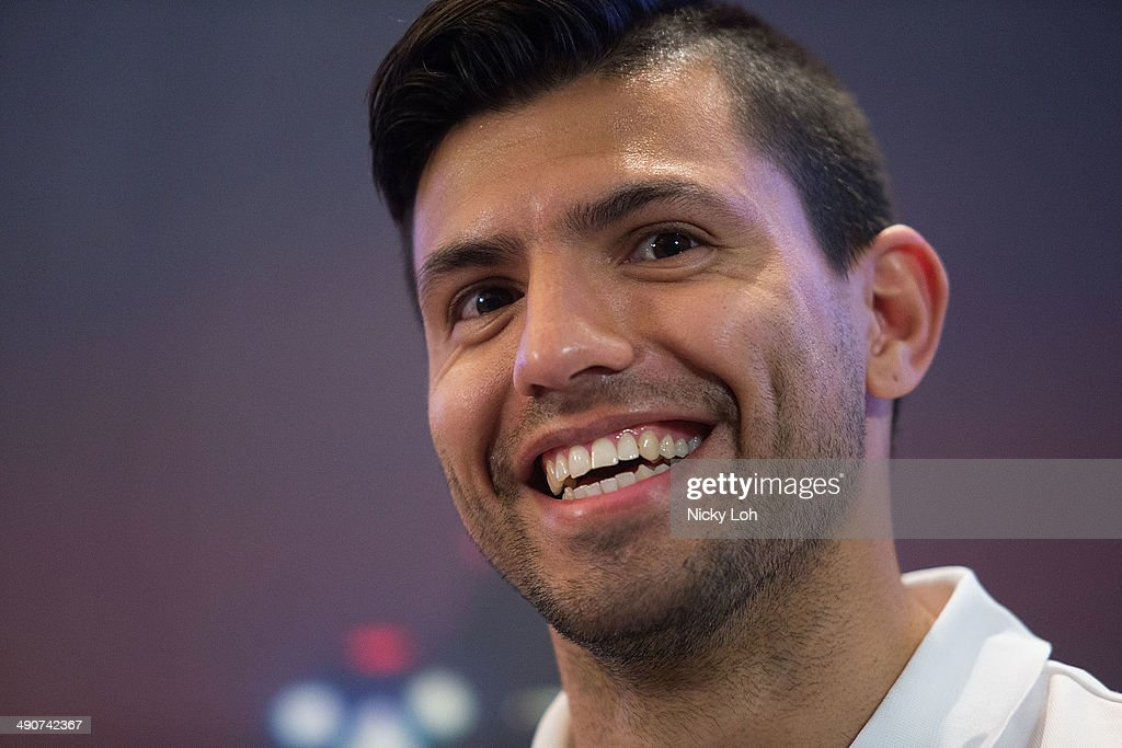 <a gi-track='captionPersonalityLinkClicked' href=/galleries/search?phrase=Sergio+Aguero&family=editorial&specificpeople=1100704 ng-click='$event.stopPropagation()'>Sergio Aguero</a> of Manchester City attends a press conference on May 15, 2014 in Singapore.