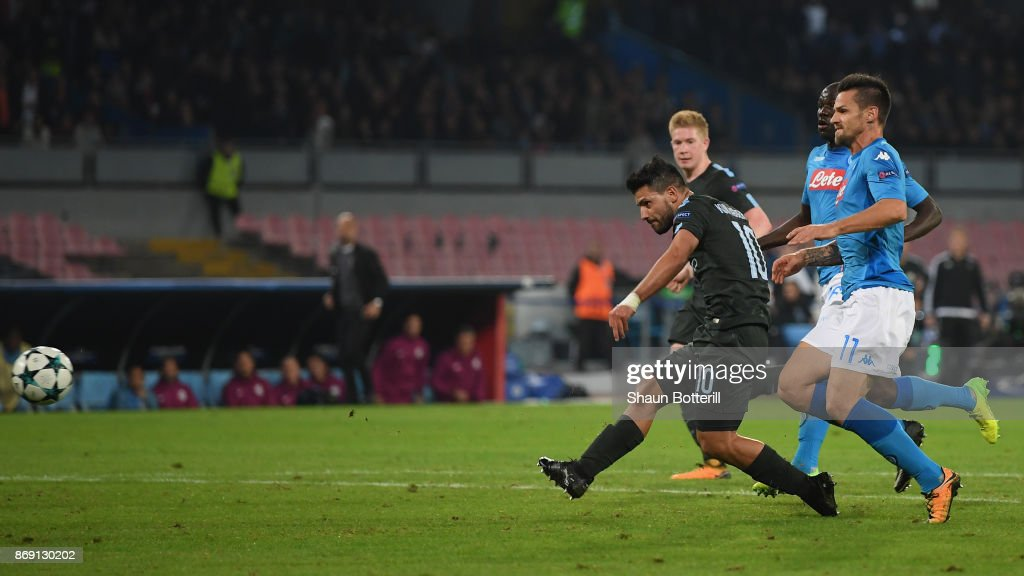 Sergio Aguero of Manchester City scores his sides third goal during the UEFA Champions League group F match between SSC Napoli and Manchester City at Stadio San Paolo on November 1, 2017 in Naples, Italy.