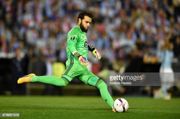 Sergio Alvarez of RC Celta in action during the UEFA Europa League semi final first leg match between Celta Vigo and Manchester United at Estadio...