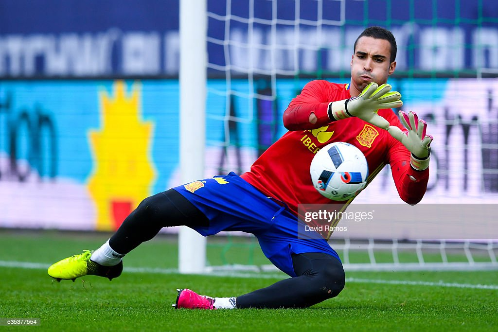 Sergio Asenjo of Spain in action during de warm up before the kick-off of an international friendly match between Spain and Bosnia at the AFG Arena on May 29, 2016 in St Gallen, Switzerland.