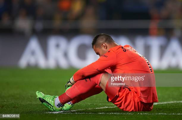 Sergio Asenjo of Villarreal lies on the pitch injured during the La Liga match between Villarreal CF and Real Madrid at Estadio de la Ceramica on...