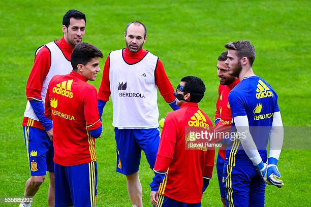 Sergio Busquets Marc Bartra Andres Iniesta Pedro Rodriguez Jordi Alba and David de Gea of Spain during a training session on May 30 2016 in Schruns...