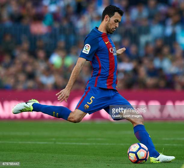 Sergio Busquets of Barcelona in action during the La Liga match between FC Barcelona and Villarreal CF at Camp Nou Stadium on May 6 2017 in Barcelona...