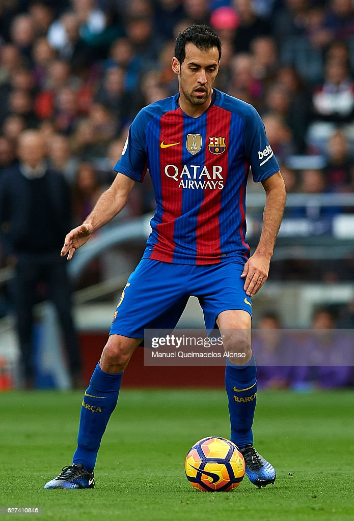 Sergio Busquets of FC Barcelona in action during the La Liga match between FC Barcelona and Real Madrid CF at Camp Nou stadium on December 03 2016 in...