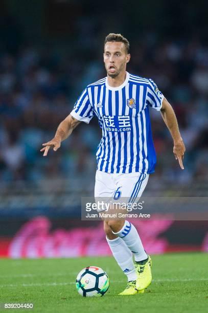 Sergio Canales of Real Sociedad controls the ball during the La Liga match between Real Sociedad de Futbol and Villarreal CF at Estadio Anoeta on...