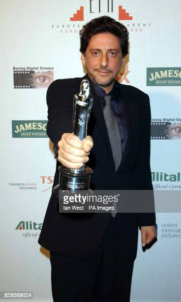 Sergio Castellitto with his award for Best Actor during the European Film Awards 2002 at the Teatro dell'Opera di Roma Rome Italy