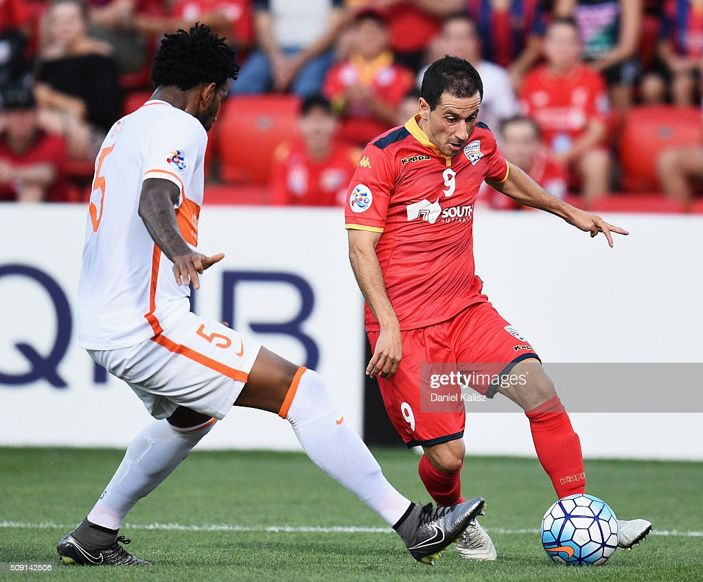 Sergio Cirio of United controls the ball during the AFC Champions League playoff match between Adelaide United and Shandong Luneng at Coopers Stadium on February 9, 2016 in Adelaide, Australia.