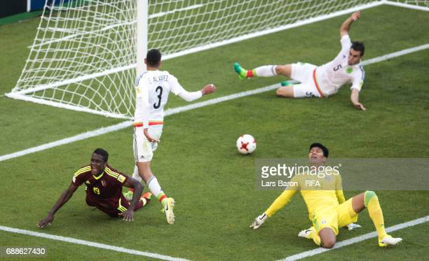 Sergio Cordova of Venezuela scores his teams first goal during the FIFA U20 World Cup Korea Republic 2017 group B match between Mexico and Venezuela...