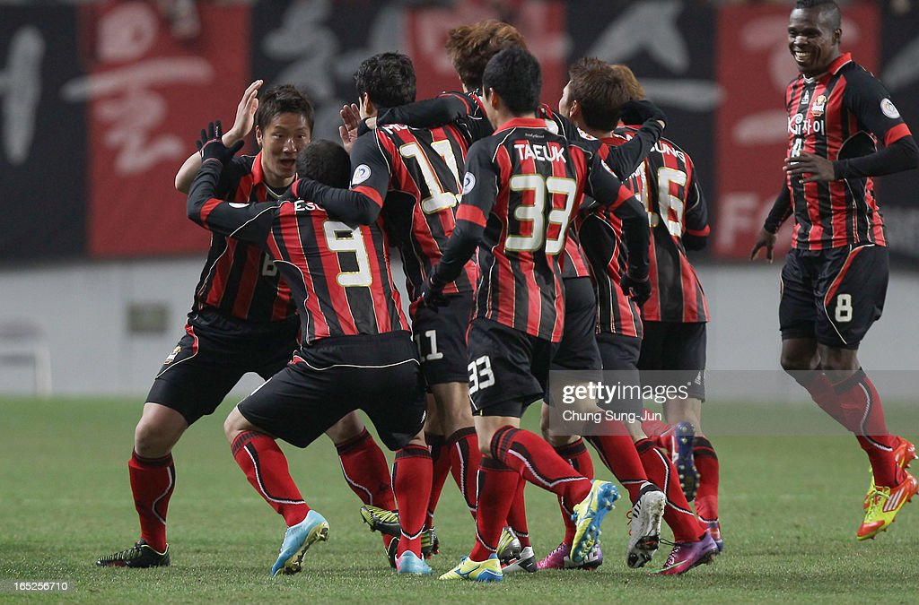 Sergio Escudero of FC Seoul celebrates after score with team mates during the AFC Champions League Group E match between FC Seoul and Vegalta Sendai at Seoul World Cup Stadium on April 2, 2013 in Seoul, South Korea.