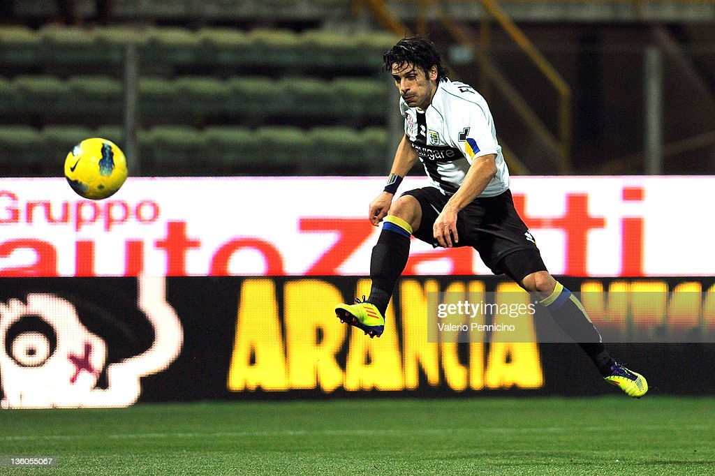 Sergio Floccari of Parma FC scores a goal during the Serie A match between Parma FC and Catania Calcio at Stadio Ennio Tardini on December 21 2011 in...