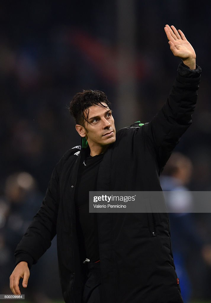 <a gi-track='captionPersonalityLinkClicked' href=/galleries/search?phrase=Sergio+Floccari&family=editorial&specificpeople=675401 ng-click='$event.stopPropagation()'>Sergio Floccari</a> of US Sassuolo Calcio celebrates victory at the end of the Serie A match between UC Sampdoria and US Sassuolo Calcio at Stadio Luigi Ferraris on December 6, 2015 in Genoa, Italy.
