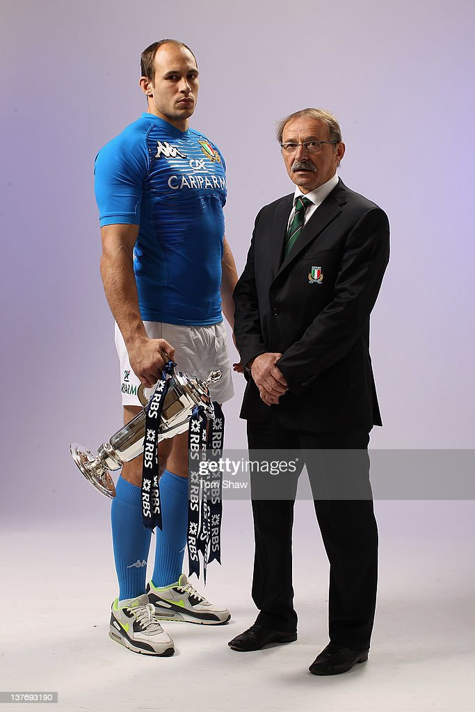 <a gi-track='captionPersonalityLinkClicked' href=/galleries/search?phrase=Sergio+Parisse&family=editorial&specificpeople=648570 ng-click='$event.stopPropagation()'>Sergio Parisse</a> of Italy and Head Coach<a gi-track='captionPersonalityLinkClicked' href=/galleries/search?phrase=Jacques+Brunel&family=editorial&specificpeople=557558 ng-click='$event.stopPropagation()'>Jacques Brunel</a> of Italy pose with the RBS Six Nations trophy during the RBS Six Nations Launch at The Hurlingham Club on January 25, 2012 in London, England.