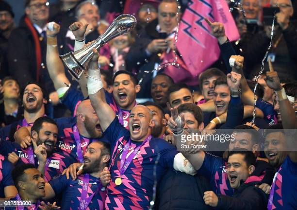 Sergio Parisse of Stade Francais lifts the trophy after the European Rugby Challenge Cup Final between Gloucester and Stade Francais at Murrayfield...