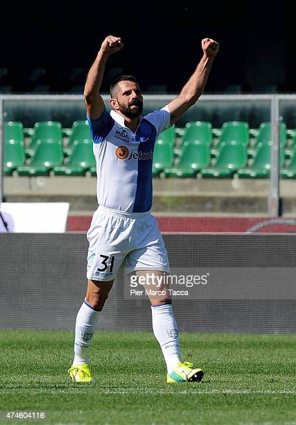 Sergio Pellissier of AC Chievo Verona celebrates the goal during the Serie A match between AC Chievo Verona and Atalanta BC at Stadio Marc'Antonio...