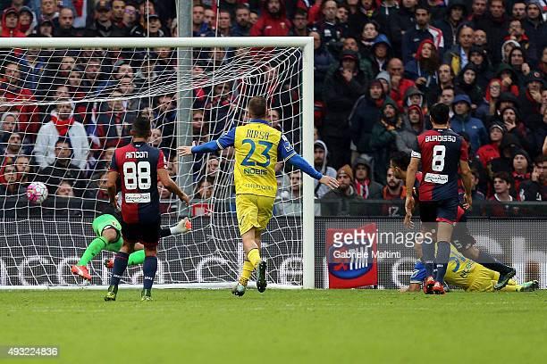 Sergio Pellissier of AC Chievo Verona scores a goal during the Serie A match between Genoa CFC and AC Chievo Verona at Stadio Luigi Ferraris on...