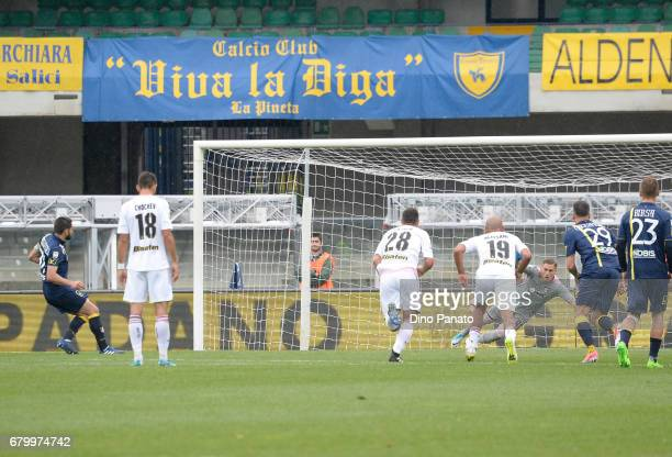 Sergio Pellissier of AC ChievoVerona scores his opening goal from the penalty spot during the Serie A match between AC ChievoVerona and US Citta di...