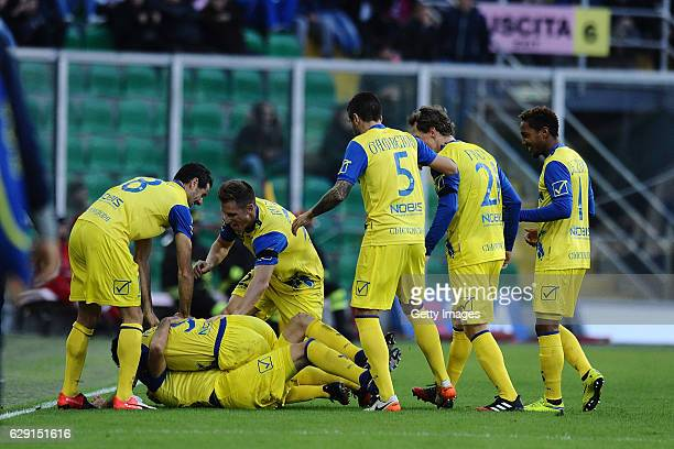 Sergio Pellissier of Chievo Verona celebrates during the Serie A match between US Citta di Palermo and AC ChievoVerona at Stadio Renzo Barbera on...