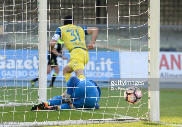 Sergio Pellissier of ChievoVerona celebrates after scoring his team's second goal during the Serie A match between AC ChievoVerona and Empoli FC at...