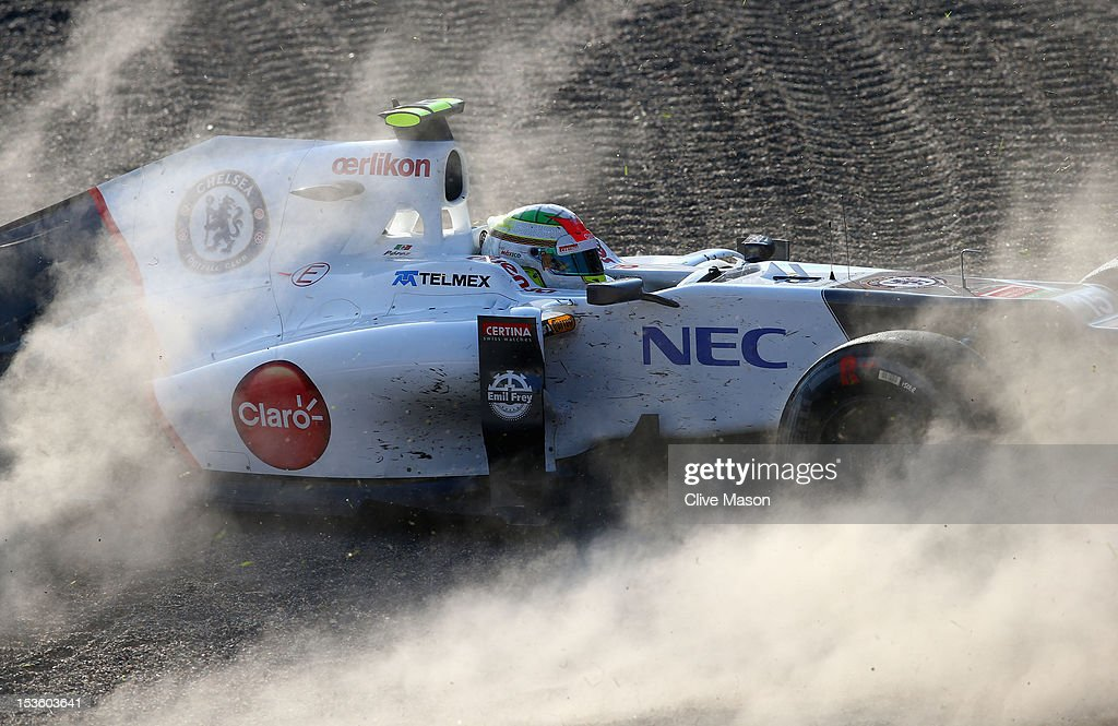 Sergio Perez of Mexico and Sauber F1 spins off during the Japanese Formula One Grand Prix at the Suzuka Circuit on October 7, 2012 in Suzuka, Japan.