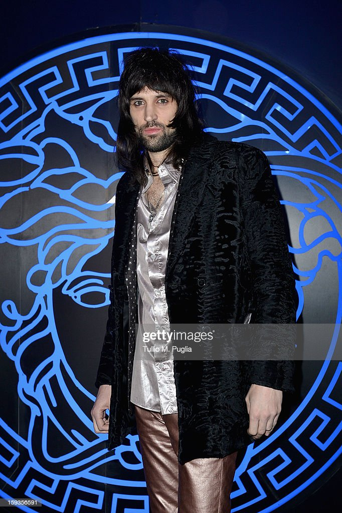 Sergio Pizzorno attends the Versace show as part of Milan Fashion Week Menswear Autumn/Winter 2013 on January 12, 2013 in Milan, Italy.