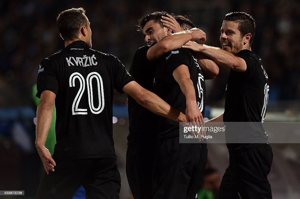 Sergio Postigo celebrates with team mates after scoring his team's second goal during the Serie B playoff match between AC Cesena and AC Spezia on May 24, 2016 in Cesena, Italy.
