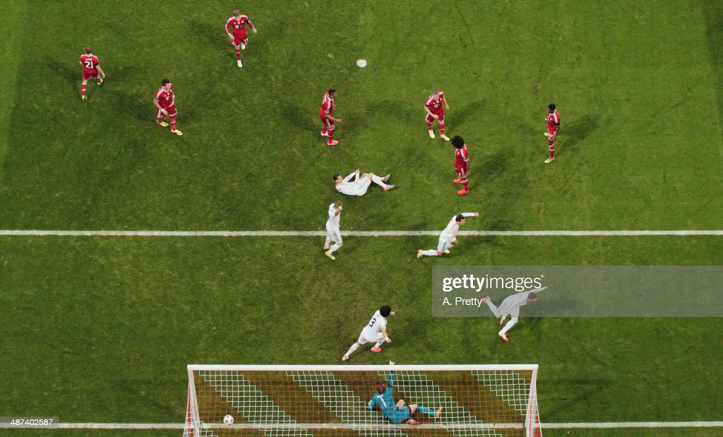 Sergio Ramos of Real Madrid celebrates after scoring the first goal during the UEFA Champions League semi-final second leg match between FC Bayern Muenchen and Real Madrid at Allianz Arena on April 29, 2014 in Munich, Germany on April 29, 2014 in Munich, Germany.