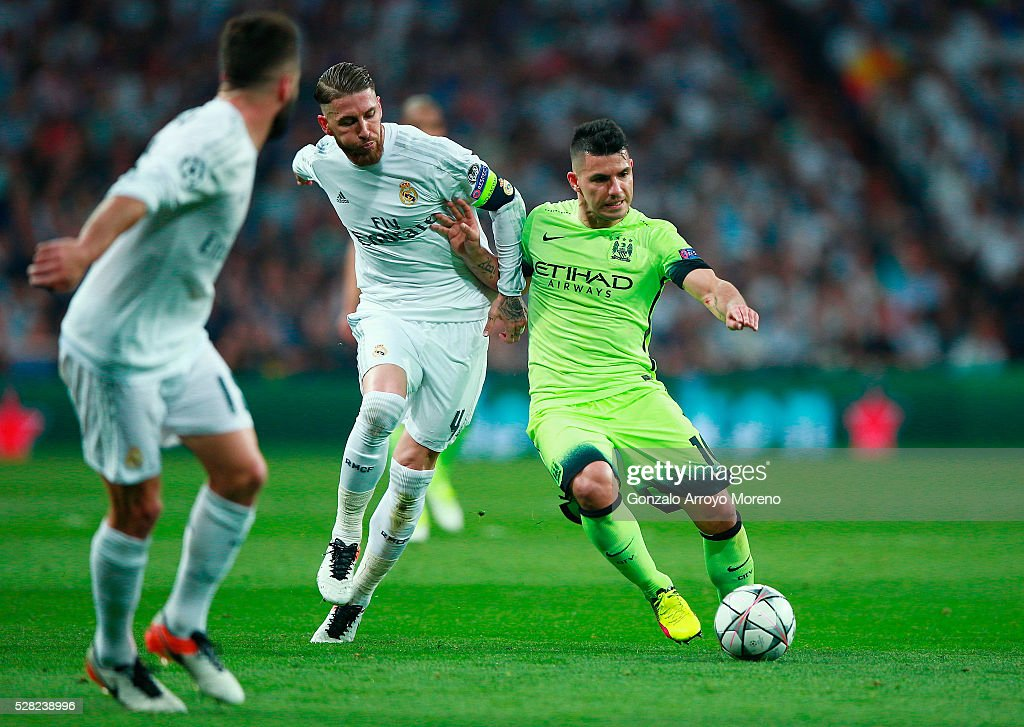Sergio Ramos of Real Madrid chases down Sergio Aguero of Manchester City during the UEFA Champions League semi final, second leg match between Real Madrid and Manchester City FC at Estadio Santiago Bernabeu on May 4, 2016 in Madrid, Spain.