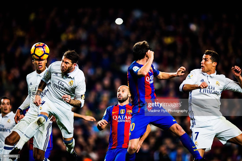 Sergio Ramos of Real Madrid scores an equalising goal for his team during the La Liga match between FC Barcelona and Real Madrid CF at Camp Nou...