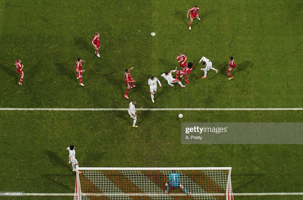 Sergio Ramos of Real Madrid scores the first goal during the UEFA Champions League semi-final second leg match between FC Bayern Muenchen and Real Madrid at Allianz Arena on April 29, 2014 in Munich, Germany on April 29, 2014 in Munich, Germany.